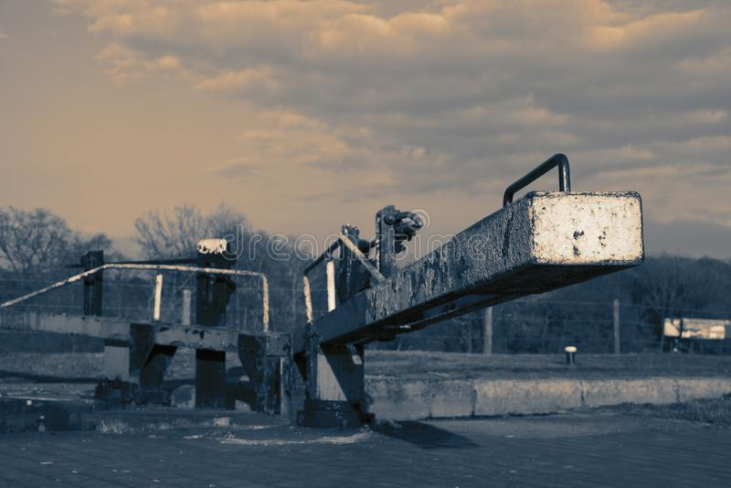 Kanalschleusentor auf dem Shropshire-Verbands-Kanal stockbilder
