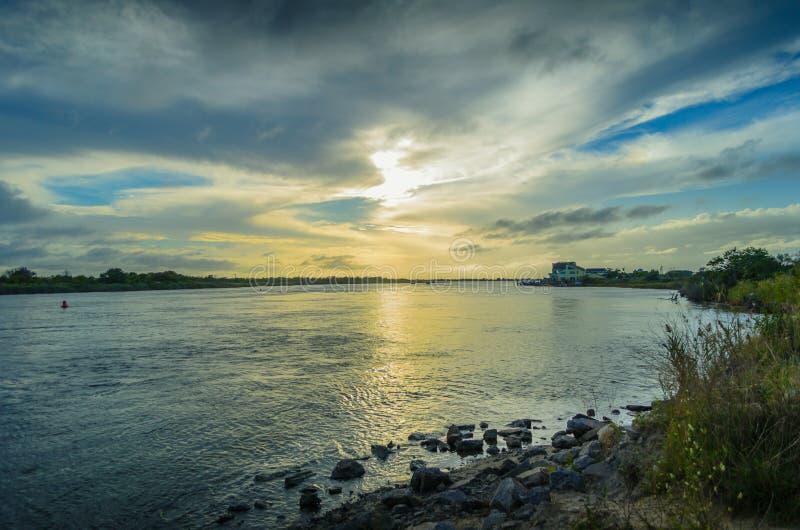 Kanalsolnedgång av av Long Island royaltyfri fotografi