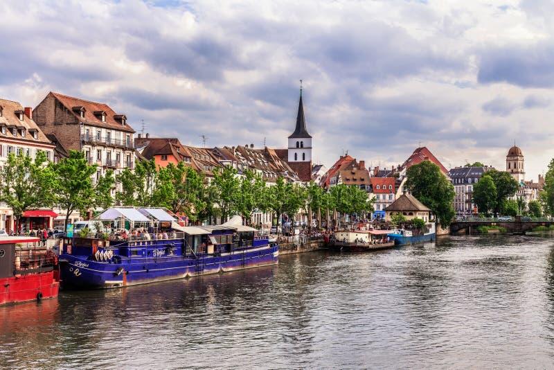 kanalstadsstrasbourg sikt arkivbilder