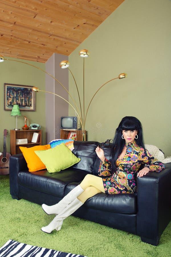 kanapy ładna kobieta fotografia royalty free