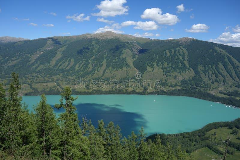Kanas jezioro, Xinjiang, Chiny zdjęcia stock