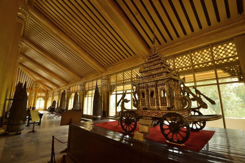 Kanbawzathadi宫殿运输推车 免版税库存图片