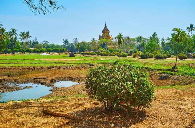 Kanbawzathadi宫殿,Bago,缅甸热带庭院  免版税图库摄影