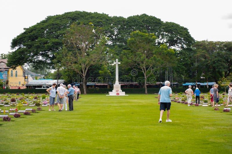 Kanchanaburi, Таиланд - 7-ое ноября 2015: Памятники Дон Rak кладбища войны исторические объединенных пленников Второй Мировой Вой стоковая фотография rf