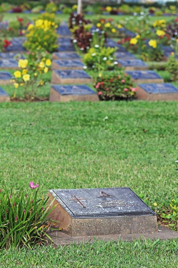 KANCHANABURI-KRIGKYRKOGÅRDEN detta är Waen royaltyfri fotografi