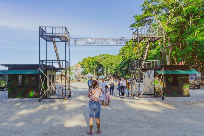 KANCHANABURI THAILAND-JULY 16,2019: Rękodzieła, domowej roboty jedzenie, bawełna odzieżowa i więcej od lokalnych producentów, prz fotografia stock