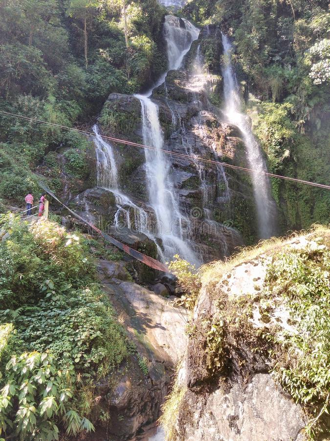 Kanchanjangha den 2nd vattenfallet fotografering för bildbyråer