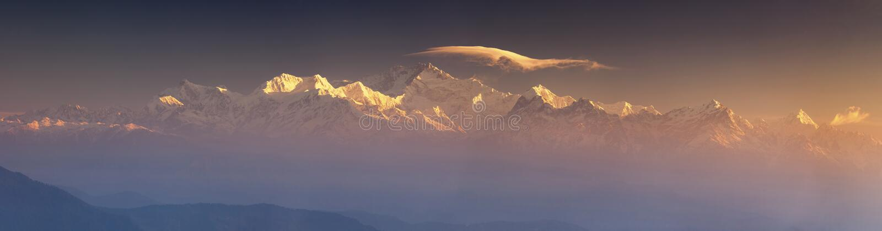 Kanchenjunga范围峰顶Panarama  图库摄影