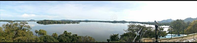 Kandalama See und Hotel stockbilder