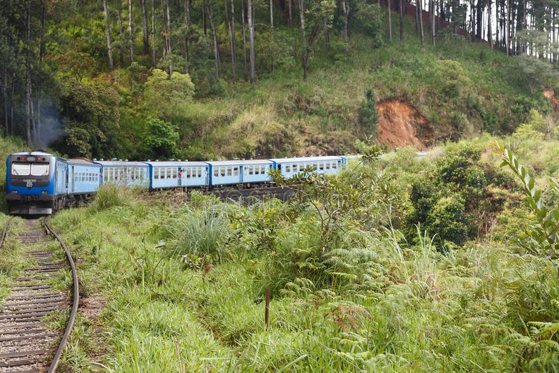Kandy al viaje de tren de Ella - Sri Lanka imagen de archivo