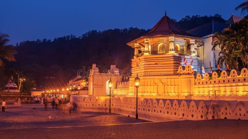 Kandy, Sri Lanka: Templo del diente en la noche foto de archivo libre de regalías