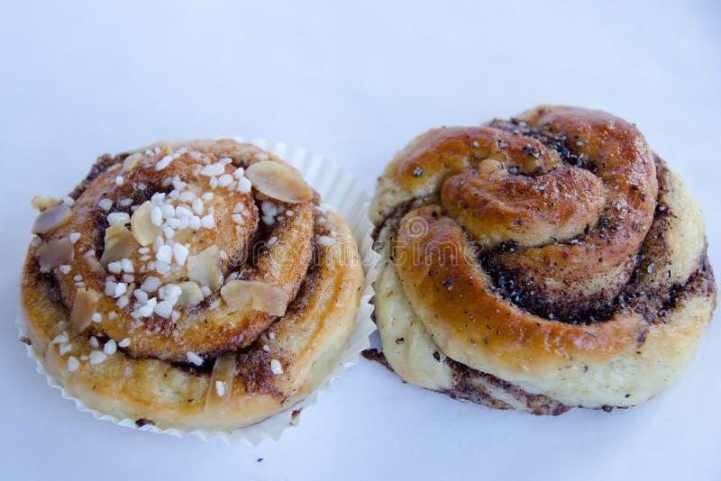 Kaneelbroodje en cardamon broodje royalty-vrije stock afbeelding