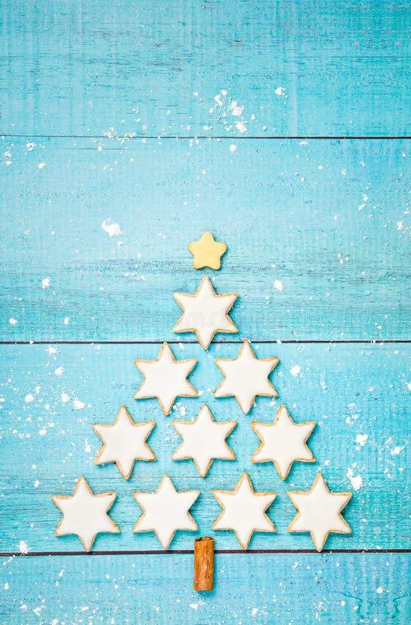 Kanelbruna stjärnakakor för jul royaltyfri foto
