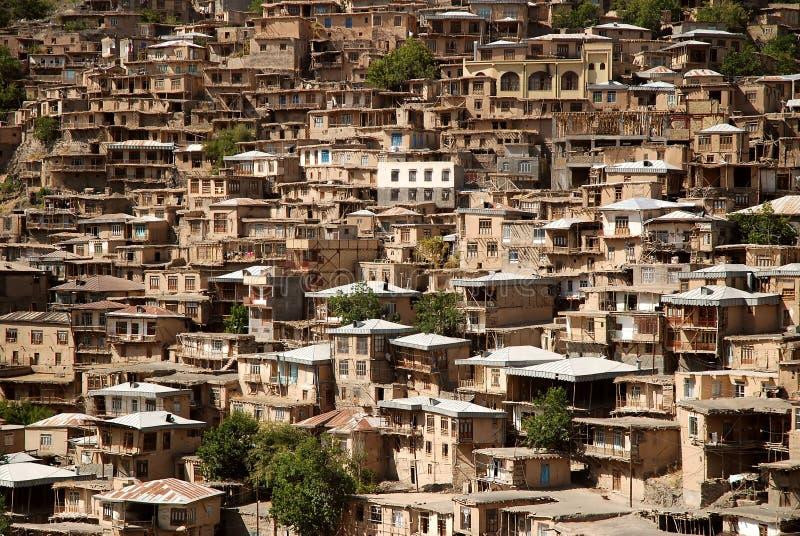 Kang, vila pitoresca em montanhas foto de stock royalty free