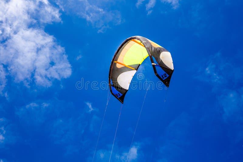 Kania dla surfować latać w powietrzu zdjęcie royalty free