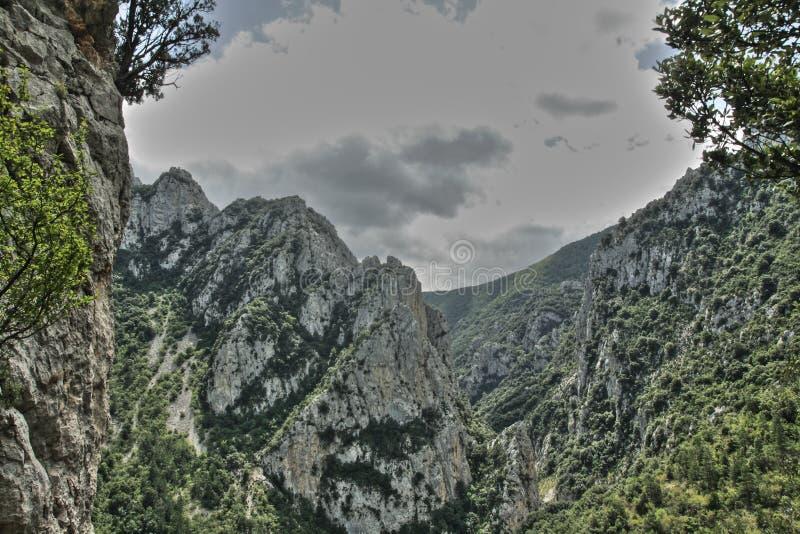 Kanjon av Pierre Lys i Pyrenees, Frankrike arkivfoto