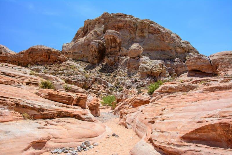 Kanjon i dalen av branddelstatsparken, Nevada, USA arkivbild