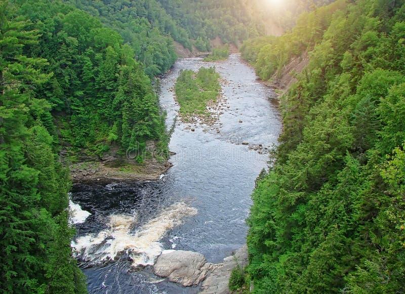 KanjonSainte-Anne vattenfall, Quebec royaltyfri fotografi