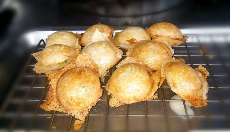 Kanom Krok, genre de sucreries thaïlandaises dessert thaïlandais, foc sélectif image libre de droits