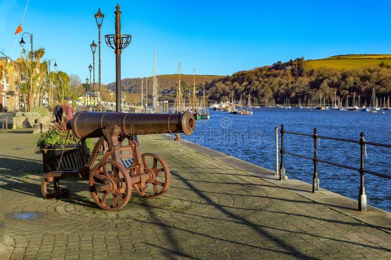 Kanon op de kade in Dartmouth Devon het UK stock afbeelding