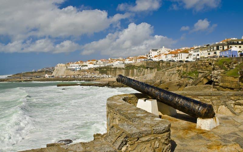 Kanone, die das Ericeira verteidigte lizenzfreie stockfotografie