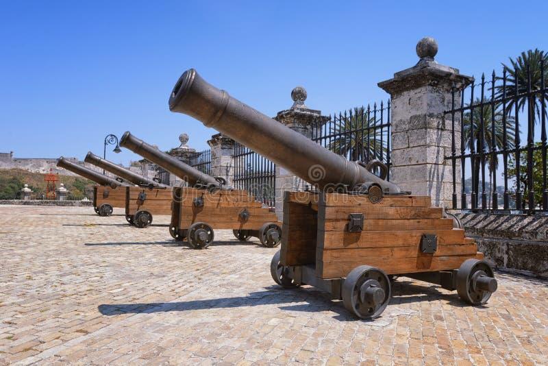 Kanoner på fortet av St Charles royaltyfri bild