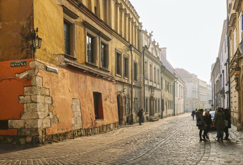 Kanonicza gata i ottaljus, Krakow, Polen royaltyfria foton