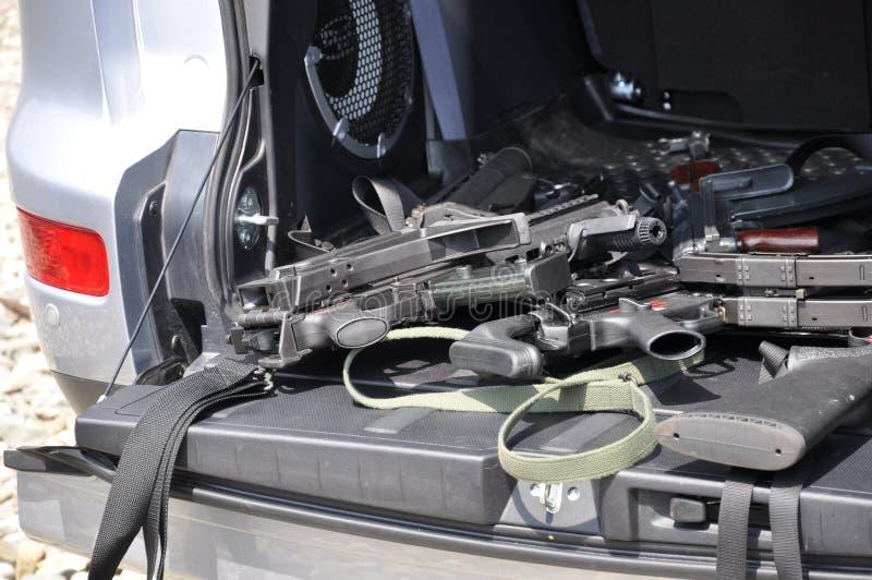 Kanonnen in de auto royalty-vrije stock foto's