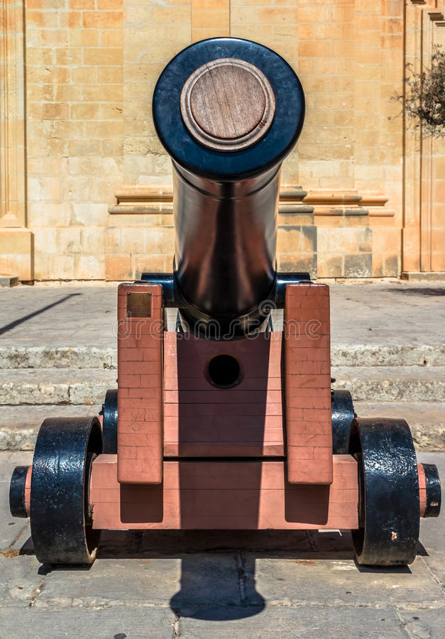 Kanonvoorzijde stock fotografie
