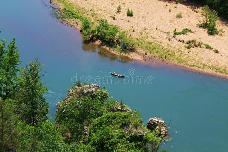Kanot på buffelmedborgarefloden fotografering för bildbyråer