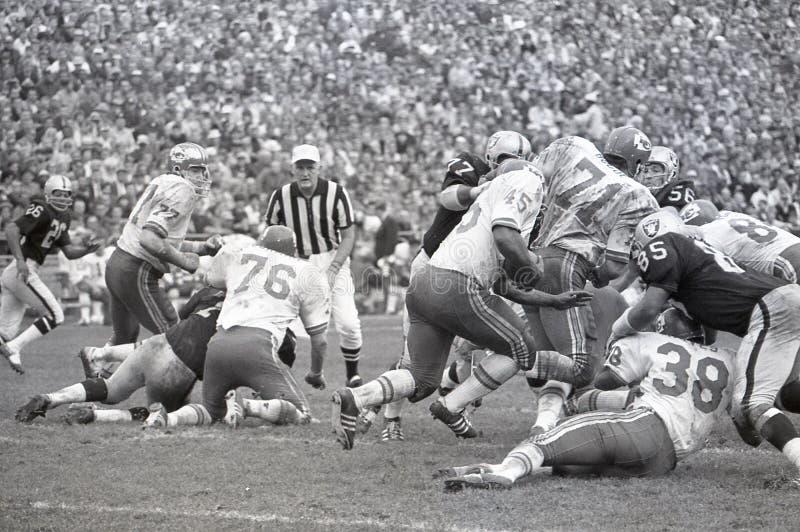 Kansas City Chiefs contra os Oakland Raiders 1969 imagens de stock royalty free
