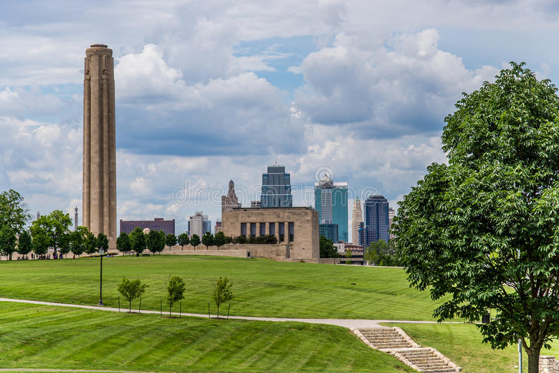 Kansas City Skyline & Liberty Memorial royalty free stock images