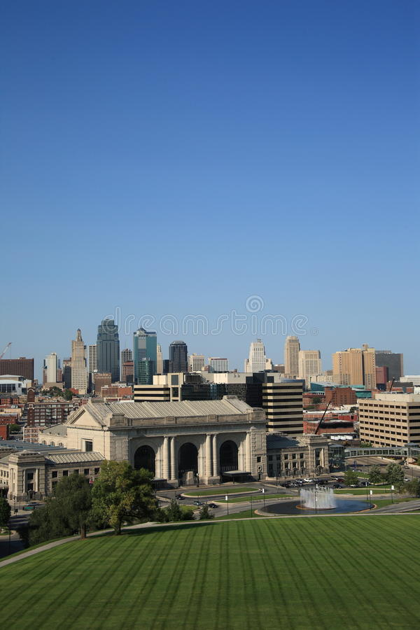 Download Kansas City Skyline - Union Station Stock Photo - Image of america, lawn: 11821196