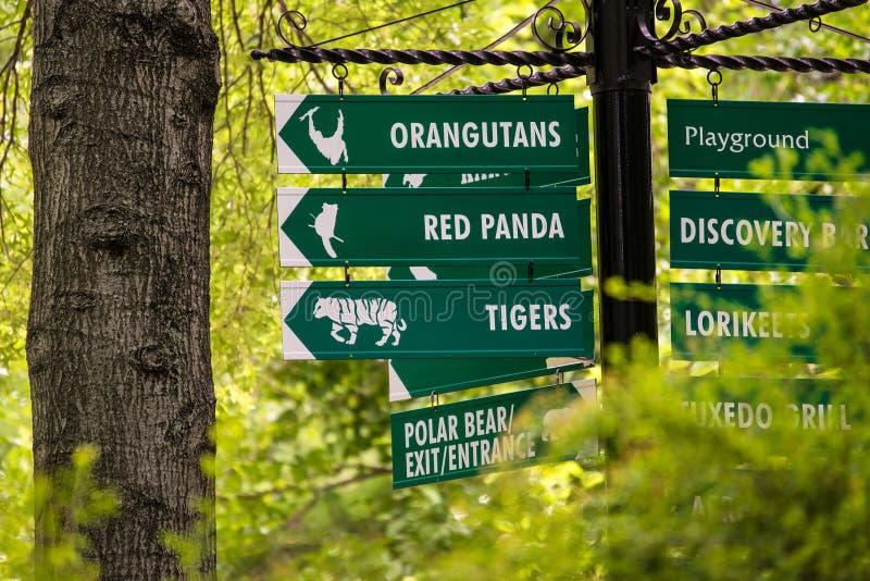 Kansas City-Zoo-Zeichen stockfotos