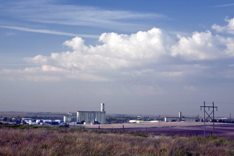 Kansas--Skyline da cidade do rodeio no nascer do sol fotografia de stock
