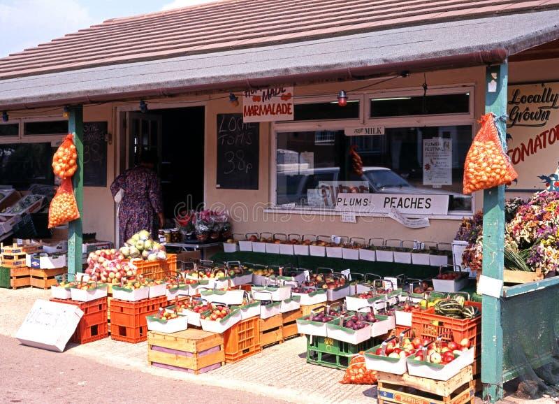 Kant van de wegfruit en veg winkel, Eveahsm stock afbeeldingen
