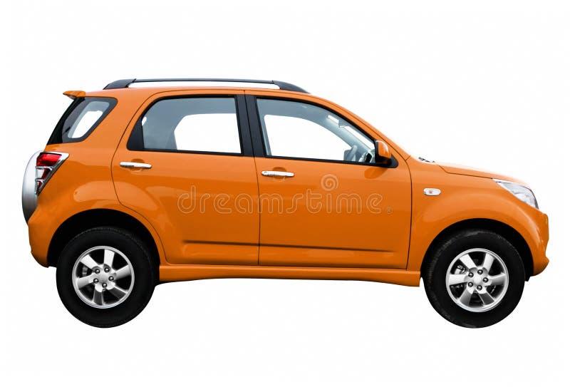 Kant van nieuwe moderne auto, die op wit wordt geïsoleerd stock afbeelding