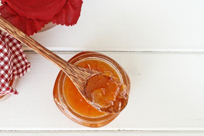 Kantalupen-Marmelade geschossen von oben stockfotos
