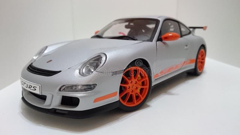 Kanter för apelsin för Porsche GT3 RS sportbilsilver royaltyfri bild