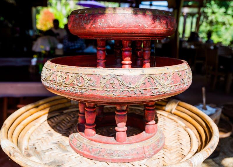 Kantoke, genre d'ustensile en bois en Thaïlande du nord photographie stock