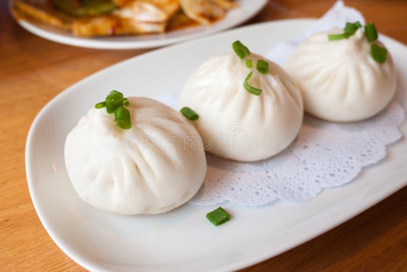 Kantonees gebraden het varkensvleesbroodje van het voedseldim sum Pan royalty-vrije stock foto