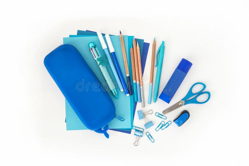 Kantoorbehoeftenstapel Terug naar School Document van de de potloden veelkleurige pen van de bladenblocnote van het de slijperpot royalty-vrije stock afbeelding