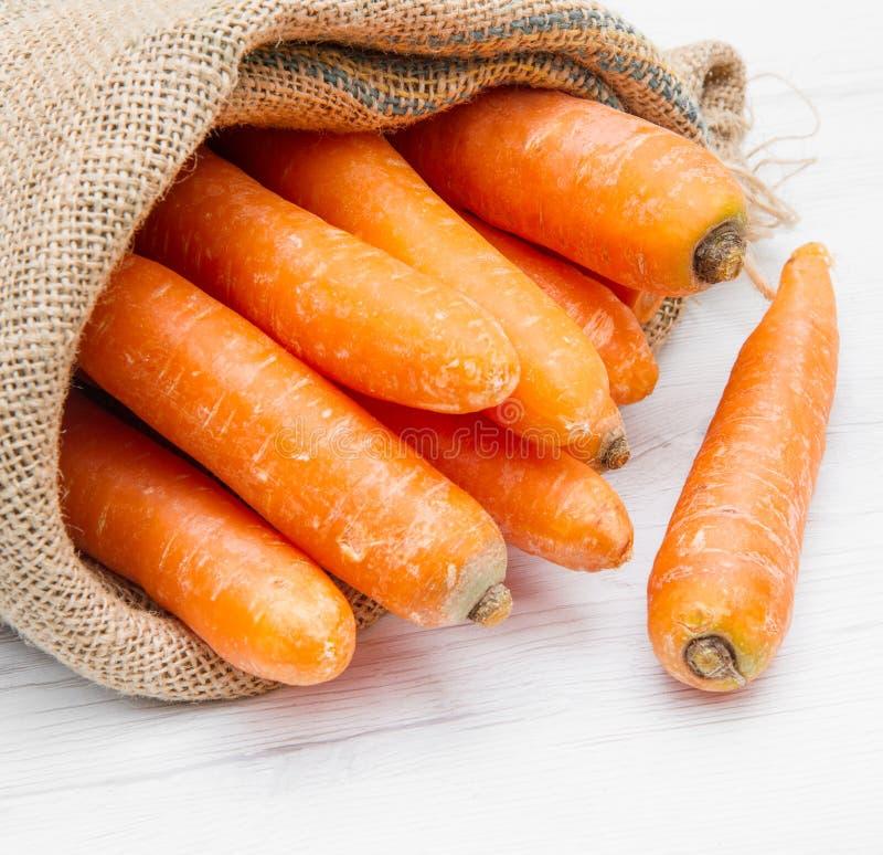 Kanwy workowy pełny marchewka zdjęcie stock