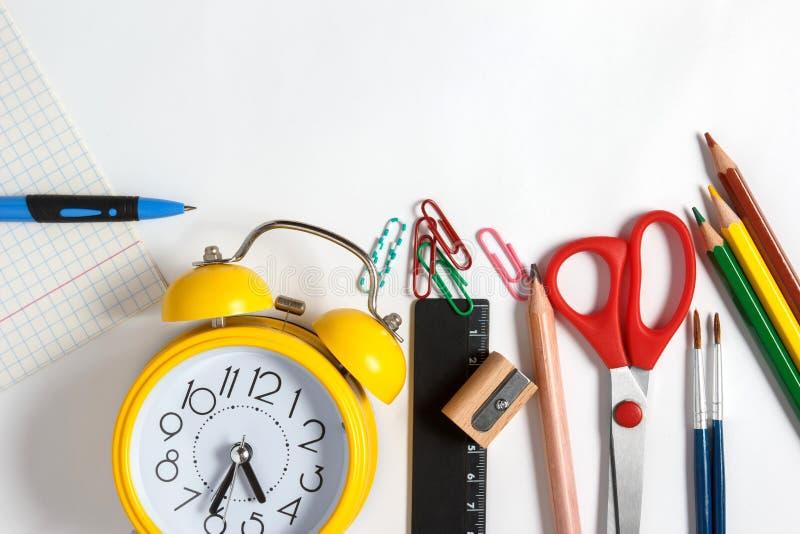 Kanzleigericht für Schule auf einem weißen Hintergrund stockfoto