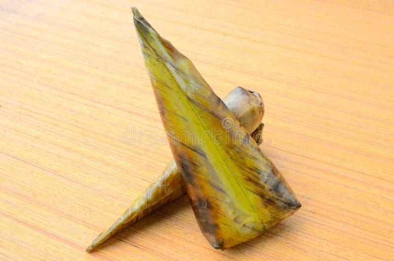 Kao Niew Ping è nome della foglia avvolta arrostita della banana del riso appiccicoso fotografia stock libera da diritti