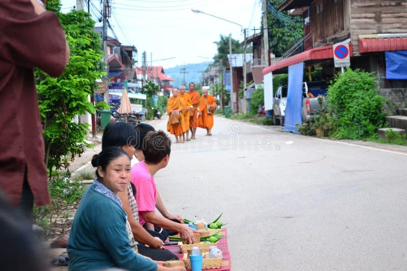 Kaonew de batte de Tak chez Chiangkhan photo libre de droits