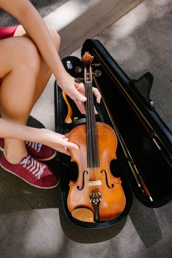 Kapacitet för fiolinstrumentklassisk musik royaltyfria foton