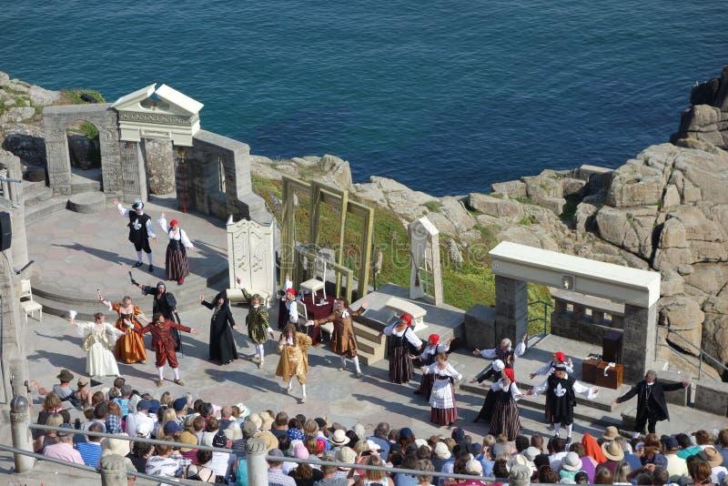 Kapacitet på Minack den frilufts- teatern, Cornwall royaltyfria bilder
