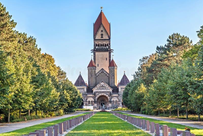 Kapel complex in Zuidenbegraafplaats, Leipzig stock foto
