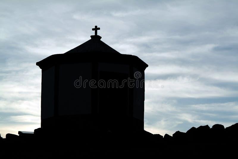 Kapel in silhouet royalty-vrije stock foto